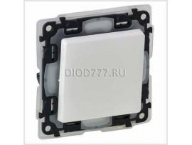 Legrand Valena Life IP44 Выключатель кнопочный 6А 250В с лицевой панелью Безвинтовые зажимы Белый