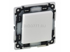 Legrand Valena Life IP44 Переключатель 10АХ 250В с лицевой панелью Безвинтовые зажимы Белый