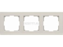 WL04-Frame-03-ivory / Рамка на 3 поста (слоновая кость)